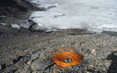 Naturgefahren vorhersagen: Pegelmessung im Gletschersee